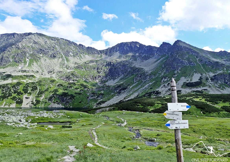 A to właśnie żółty szlak wyprowadzający na Szpiglasową Przełęcz