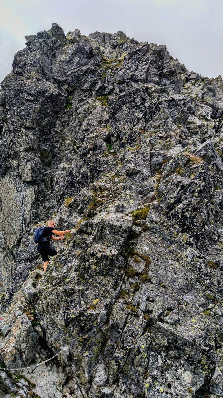 Przełączka pod Rysami - zbliżenie na kopułę szczytową Rysów