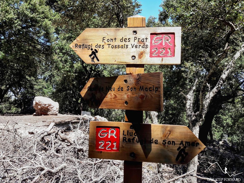 Trekking na Majorce - drogowskaz