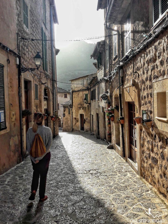 Valdemossa - spacer wąskimi uliczkami
