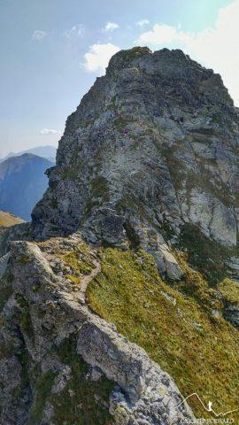 Zejście z Drobnej Kopy - schodzący turyści