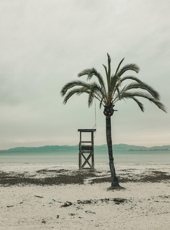 Budka obserwacyjna na plaży w El Arenal - Majorka
