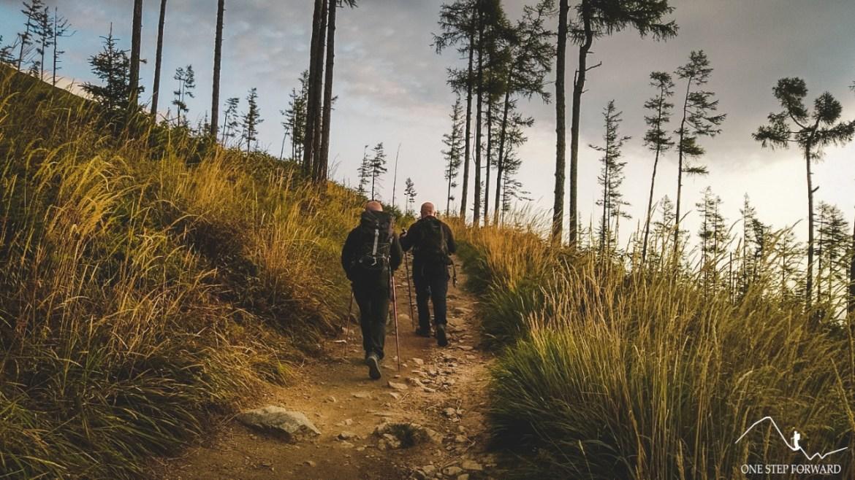 Początkowy przebieg szlaku na Sławkowski Szczyt