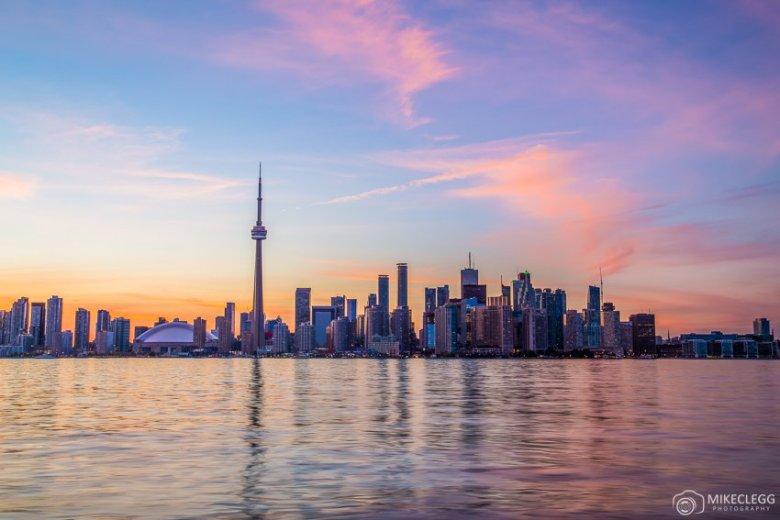 Toronto-Skyline-at-Sunset