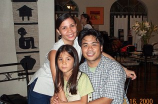 Mike,_Picky,_and_Chloe_Family_Pic