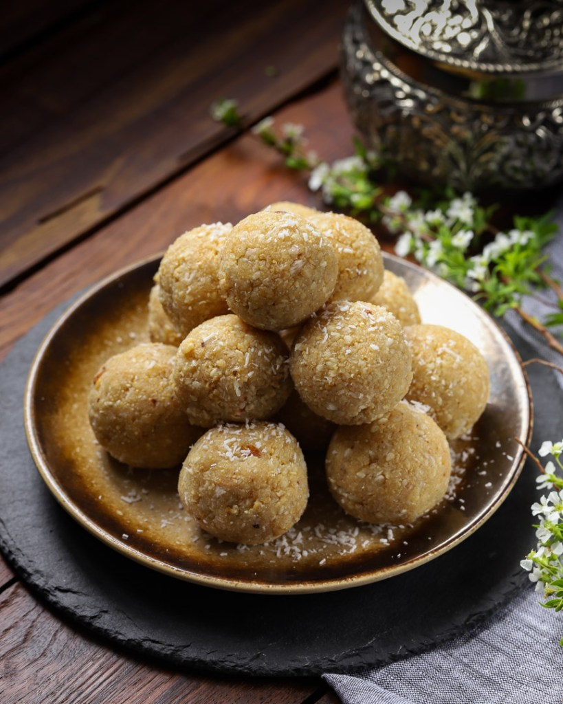 Til Mawa Ke Ladoo by OneWholesomeMeal