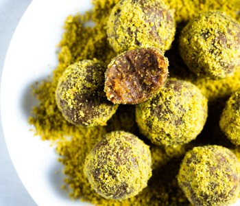 Almond-Flaxseed Bliss Balls