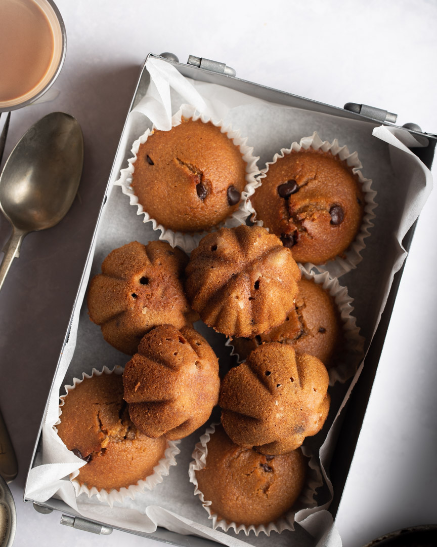 Eggless Semolina Mini Cakes- Refined Sugar-free Easy Recipe