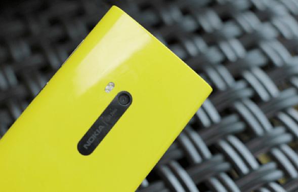 Lumia-920-back