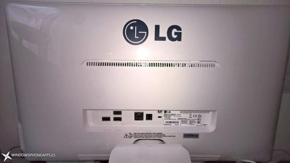 LG-22V240-parte-trasera-conexiones