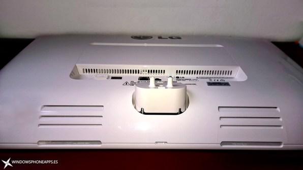 LG-22V240-parte-trasera-inferior-2