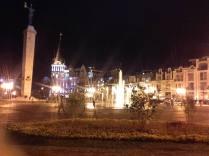Batumi bei Nacht. Klasse Leute, klasse Stadt.