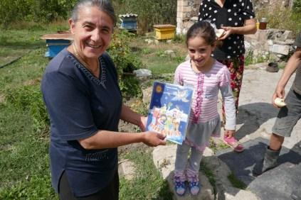Mittagseinladung mit Kinderbuch als Übersetzungshilfe
