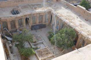 Shiraz ist bekannt für seine Innenhöfe, hier mal ein etwas nostalgisches Exemplar