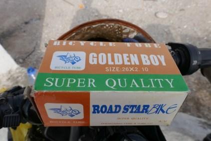 Sieht eher aus wie eine Packung Condome: Der Golden Boy hat nicht das gehalten, was man sich langläufig von einem hochwertigen Fahrradschlauch vorstellt.