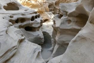 Die Natur als Künstler in der Chahkooh-Schlucht auf Qeshm: Der Persische Golf und die Inseln sind erst 10.000 Jahre alt, der Sandstein relativ weich.