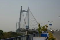 Über diese imposante Händebrücke in Kolkata war es im Gegensatz zu Mumbai erlaubt, mit dem Rad zu fahren.