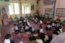 Blick in die Dorfschule