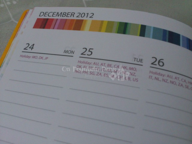 Xmas, anyone? For each holiday, the date is labelled with countries celebrating that special day