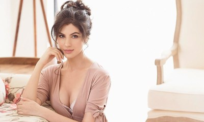 Elnaaz Norouzi: It Took Years for Me To Set a Foot in Film Industry