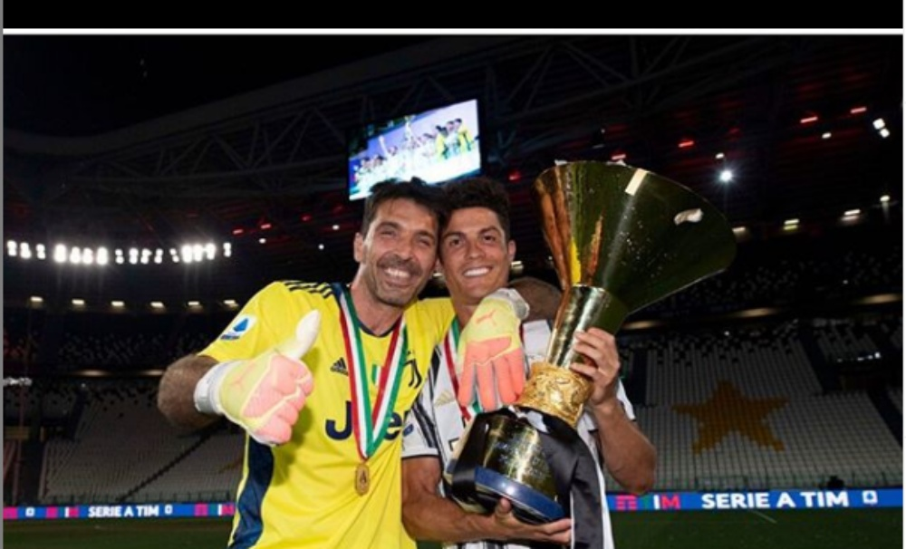 Gianluigi Buffon Pens an Emotional Note for Juventus as He Announces Exit from Bianconeri, Says 'Not an Easy Decision'