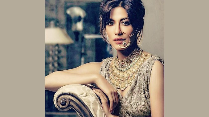 Here's How Chitrangda Singh Gears Up for Monday Morning Zoom Calls (See Pic)