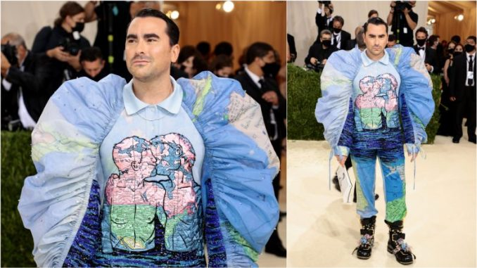Dan Levy Makes Met Gala Debut in Outfit Featuring Pic of Two Men Kissing, Netizens Hail 'Schitt's Creek' Star for Supporting LGBTQ Community
