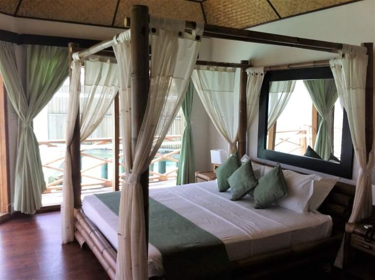 Bungalow sur pilotis de Safari Island Maldives