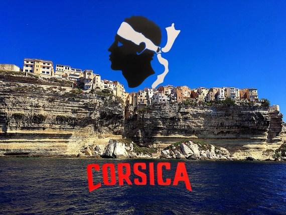 Visiter Bonifacio depuis la mer en Corse du Sud