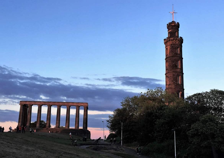 Calton Hill au coucher du soleil à Edimbourg Ecosse