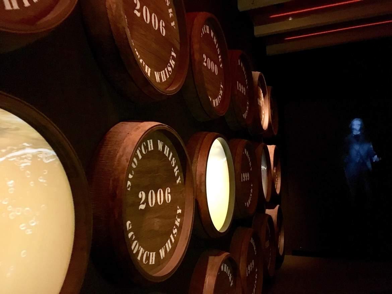 Les tonneaux du Musée du whisky The Whisky Experience à Edimbourg Ecosse