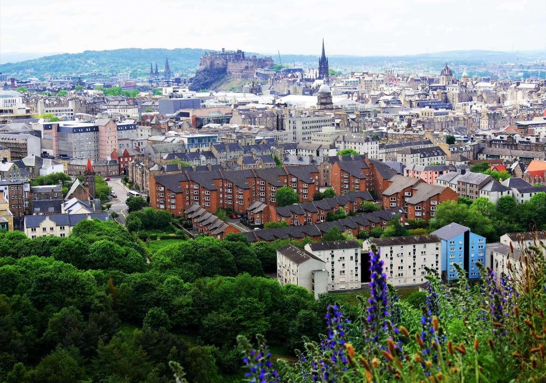 Vue sur Edimburg depuis l'Arthur Seat en Ecosse