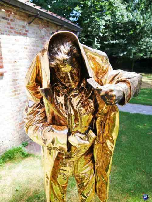 Que visiter à Bruges, le parc gezellemuseum et la statue de jan fabre