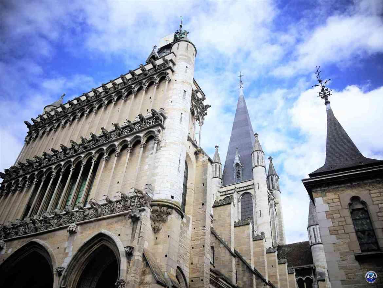 Eglise de notre dame à Dijon en France