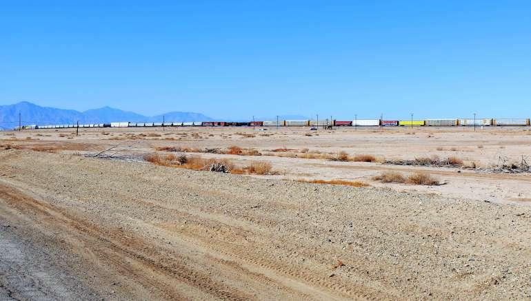 Train de marchandises typique de la Californie
