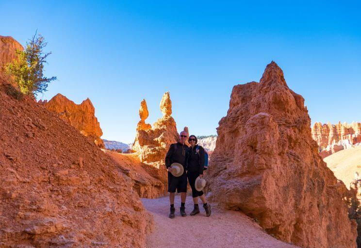 Nous sur le chemin de la Queens Garden Trail à Bryce Canyon
