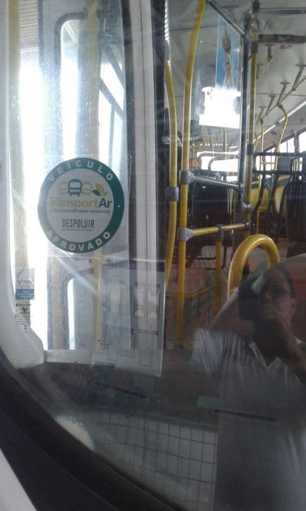 Detalhe do selo do Despoluir