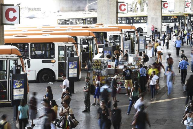 Governo regulamenta proibição de ônibus com motor dianteiro