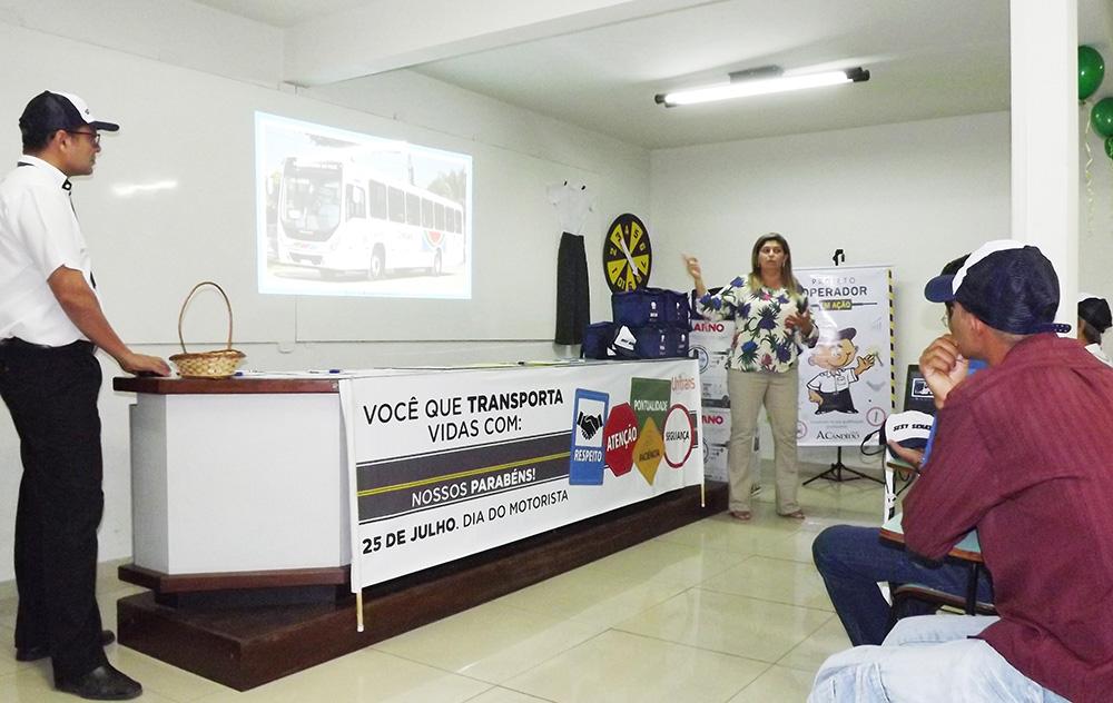 Isabela Maria, gerente de RH da Unitrans, conduziu a capacitação