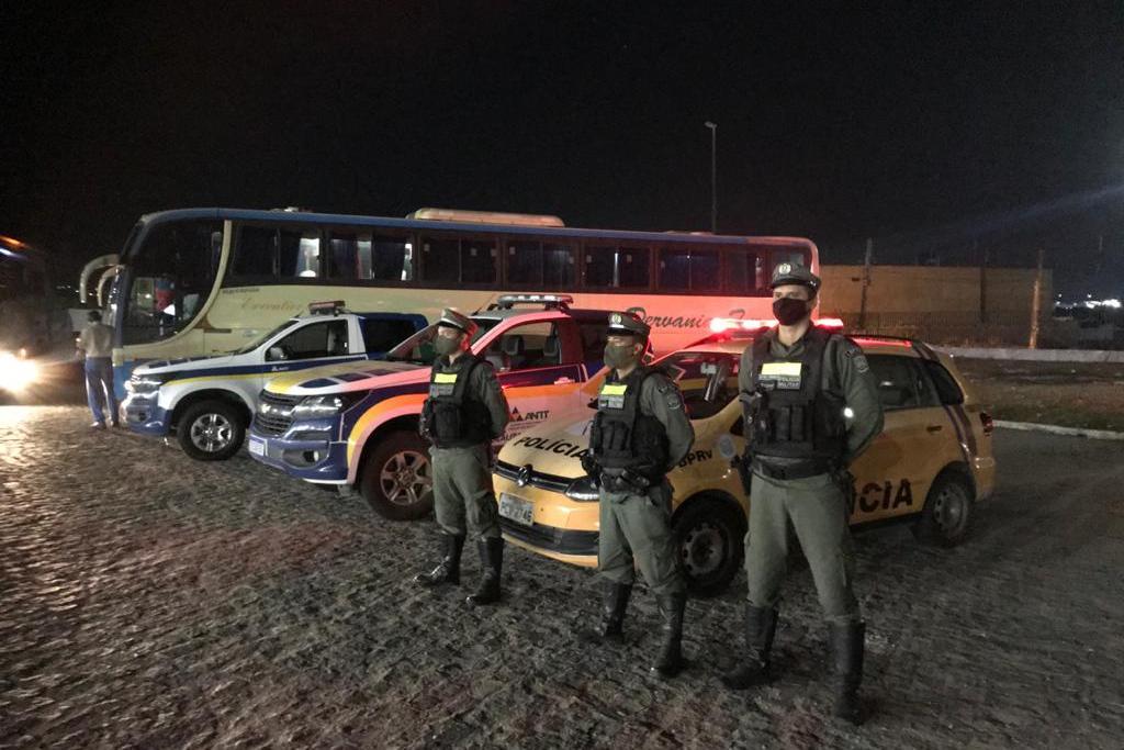 ANTT faz apreensão de transporte clandestino em Pernambuco