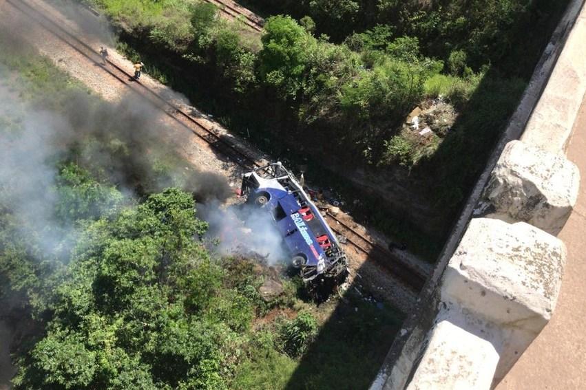 Empresa dona do ônibus envolvida no acidente em João Monlevade faz viagens entre São Paulo e destinos no Nordeste; ANTT emite nota sobre veículo e empresa envolvida no acidente
