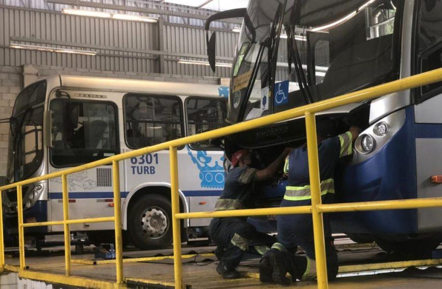 Empresas de ônibus oferecem vagas de emprego no setor de manutenção em Petrópolis