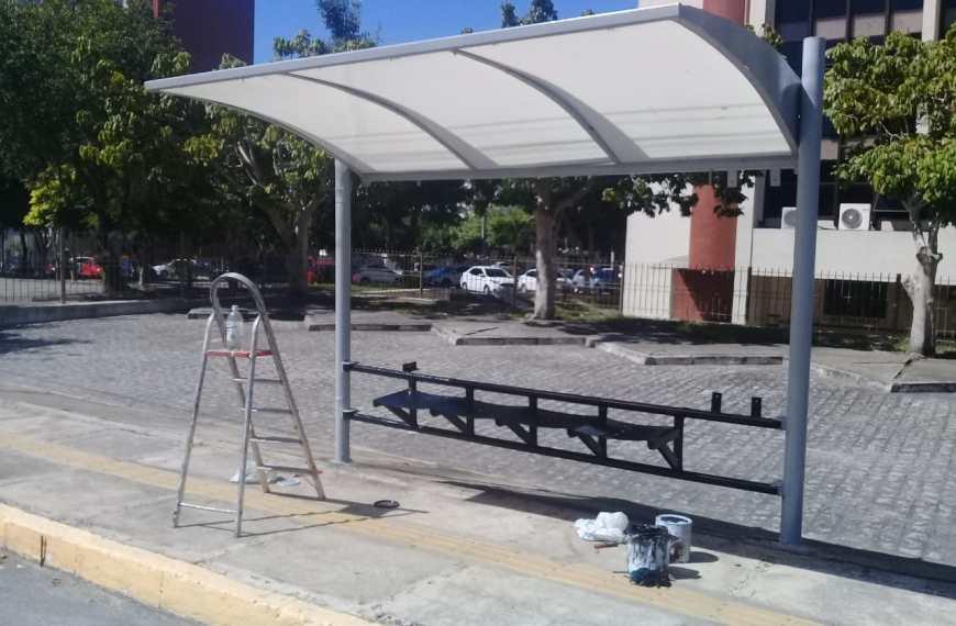 STTP intensifica revitalização de abrigos nas paradas de ônibus, em Campina Grande