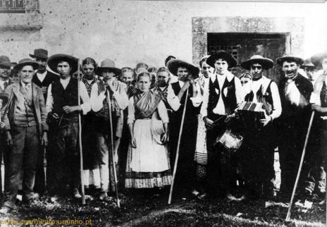 Festada em Casa de Ponte (actual Museu Martins Sarmento) Briteiros - Guimarães - Junho de 1897
