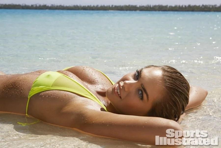 22. Кейт Аптон была сфотографирована Джеймсом Макари на Островах Кука.