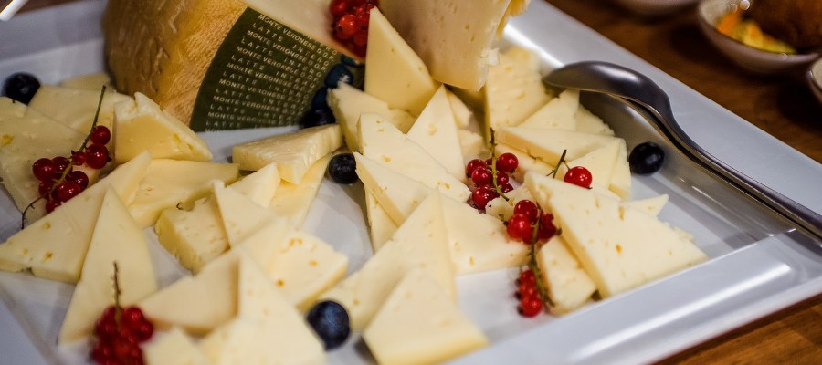 Cheese Plate Snacks Food Appetizer  - MatteoPhotoPro2020 / Pixabay