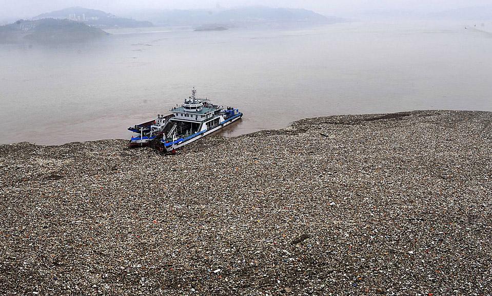 Plastic Trash Island Disaster