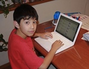 boy_using_computer