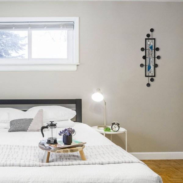 blue-space-hub-in-bedroom