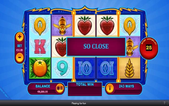 Identični rilovi, Online Casino Bonus, Turn It On, Playtech
